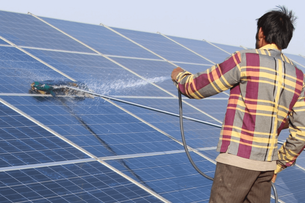 Cleaning solar panels in India